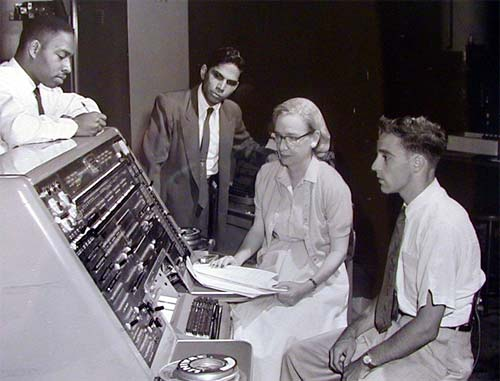 Grace_Hopper_1957